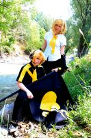 Love is a Bio-War: Rin and Len by Dusha-Soul