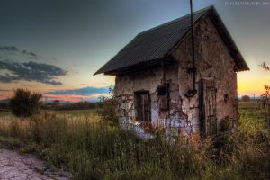 alone house HDR by DILEsvk