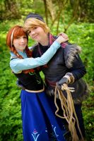 Anna and Kristoff by Rayi-kun