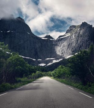 The road to Mount Doom by streamweb
