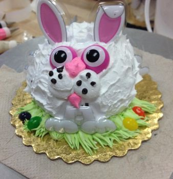 Bunny Cake by LucyQ602