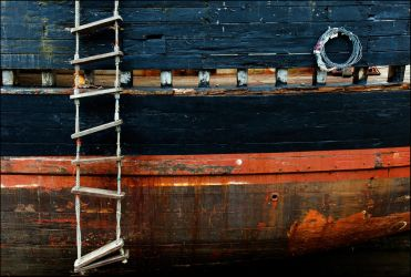 rope ladder and coil by LordLJCornellPhotos