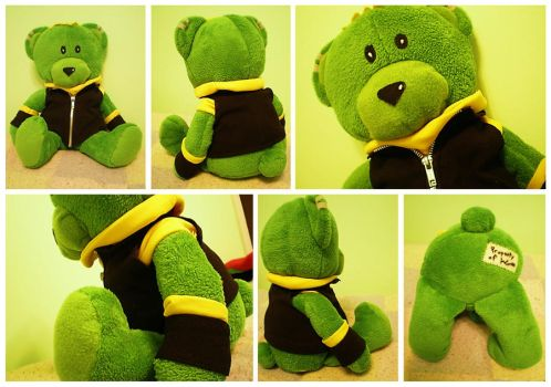 Hulkling 'Teddy' Bear by AwesomeTikiWiki