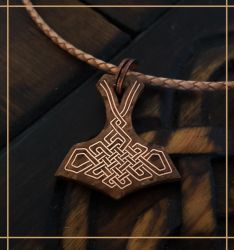 Mjolnir pendant with copper thread inlays by Zrognak