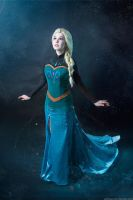 Frozen Elsa cosplay by KikoLondon