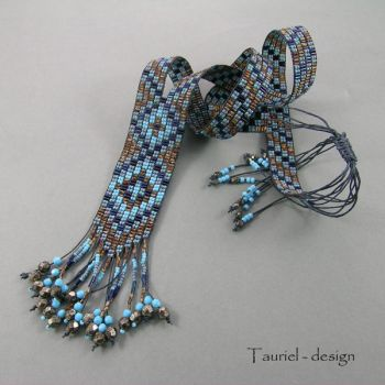 Loomwork necklace in brown, blue and dark blue by Tau-riel