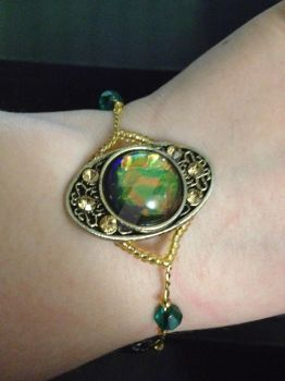 Gold and Green Bracelet by extragoto10line