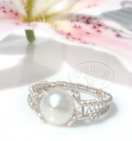 Silver Pearl Ring by Lagaz