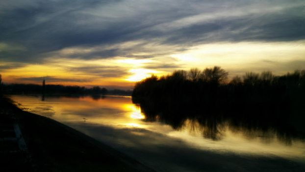 Psykopaint: Winter sunset on river by Shannon1000