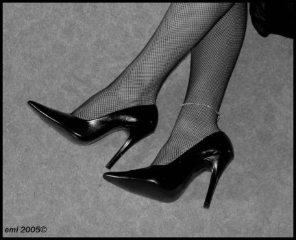 High Heel in black and white by Collinder