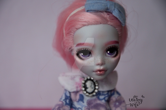 Violet (Monster High Lagoona Blue repaint) by theugliestwife