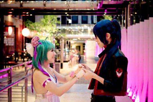 Macross Frontier: Happiness by Cateography