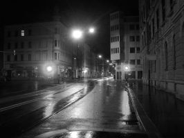 Street by night - Innsbruck by maradong