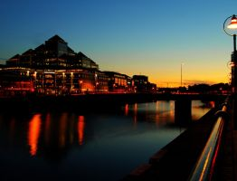 Liffey Dusk HDR by superflyninja