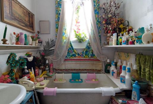 Bathroom from Hell by baleze