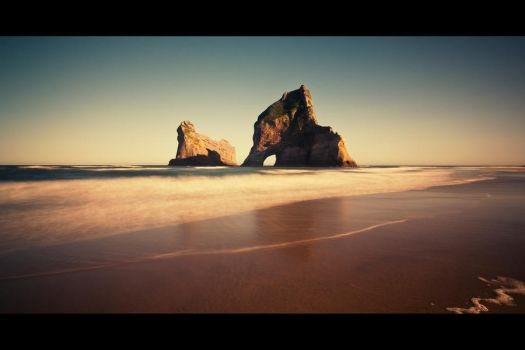 Wharariki Beach by elgarboart