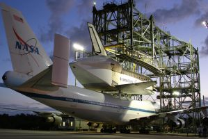 Discovery/SCA nestled in MDD by OpticaLLightspeed