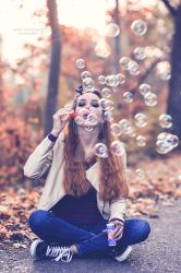 Anna - fun with soap bubbles by renenordmannfotograf