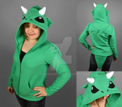 Dragon Hoodie by SewDesuNe