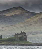 Duart Castle, Mull, Scotland by ukwreckdiver