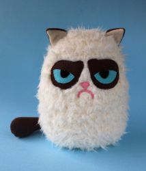 Fluffy Grumpy cat plush by FizziMizzi