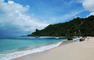Indonesia Beach by bebekngepotz