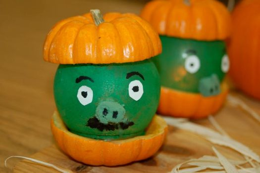 Angry bird pig pumpkins by SeaSpryte