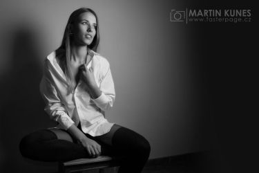 Just a simple portrait in the studio... by Faasteer