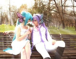 Vocaloid: White Day - MikuxGakupo by UzumeCosplay