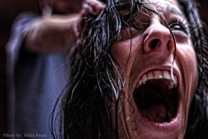 Screams Her Head Off by MikePecci