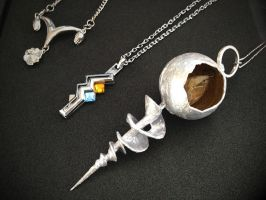Final Fantasy pendants by Fantalusy