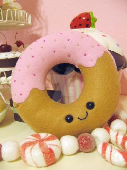 Donut Plushie by kimchikawaii