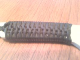Paracord handle wraping by Shadow-Ryuu