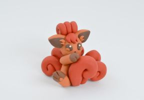 Vulpix figurine by IcekaWorld