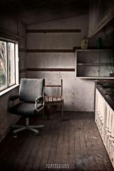 Abandoned Room by r-louu
