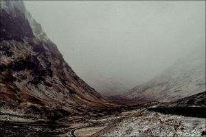 Winter Glen Coe by tamaskatai