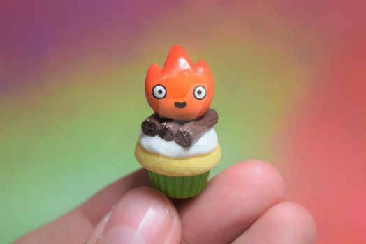 Calcifer Cupcake by lyssacrafts