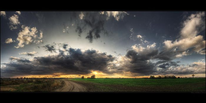 Hungarian skies pt.VIII. by realityDream