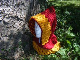 Lannister colors Dragon Scale Hood by Arexandria