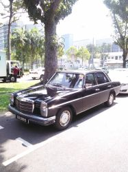 Black Mercedes Benz 250 Automatic W114 by Amgnismo