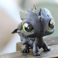 Toothless LPS custom by pia-chu