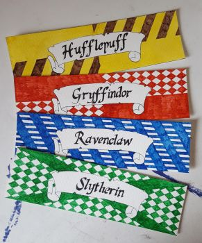Hogwarts House bookmarks (Harry Potter) by starksandlannisters