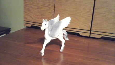 Young Schleich Pegasus by Growlie26
