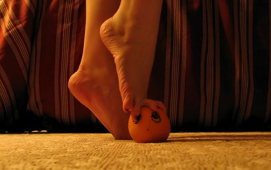I'll Get You Annoying Orange 8 by Pies-Toes-N-Soles