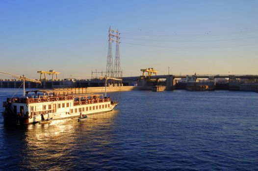 On The Nile 5 by mynando