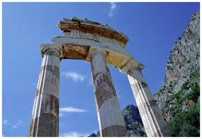Delphi - the Tholos by captsolo