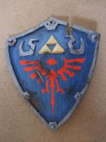 Damaged Hylian shield by Oloring