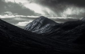 Sgurr Hain, Isle of Skye by younghappy