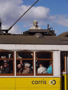 ev'rybody loves the old tram by Pippa-pppx