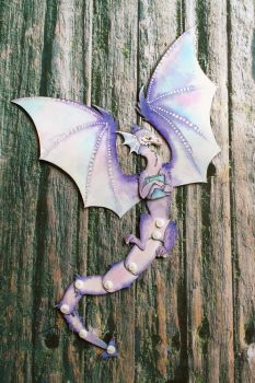 Poseable paper dragon - full front view by Si-Luetta